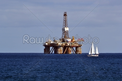 cheap oil rig oakley sunglasses  oil rig in the sea