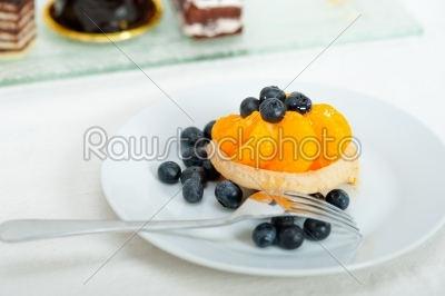 stock photo: blueberry cream cupcake-Raw Stock Photo ID: 65142